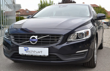 Volvo S60 D2 Kinetic bei BM || J.Reichhart GmbH in