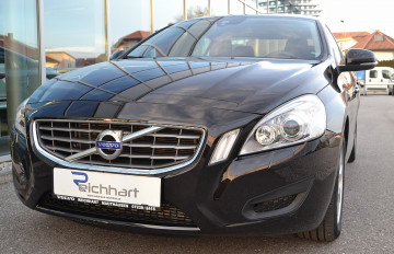 Volvo S60 D3 Kinetic Geartronic Aut. bei BM || J.Reichhart GmbH in