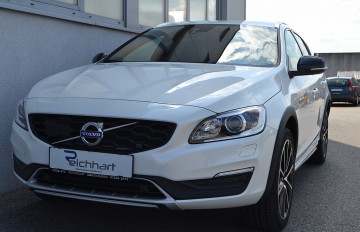 Volvo V60 Cross Country D3 Cross Country Plus Geartronic bei BM || J.Reichhart GmbH in