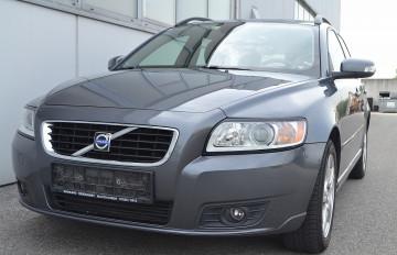 Volvo V50 1,6 D Momentum bei BM || J.Reichhart GmbH in