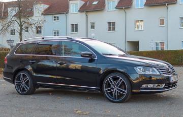 VW Passat Variant Sky BMT TDI DPF 4Motion DSG bei BM || J.Reichhart GmbH in