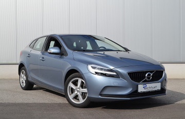 Volvo V40 T2 Kinetic Geartronic bei BM || J.Reichhart GmbH in