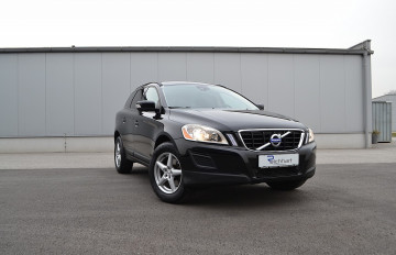 Volvo XC60 D3 FWD Kinetic Geartronic bei BM || J.Reichhart GmbH in